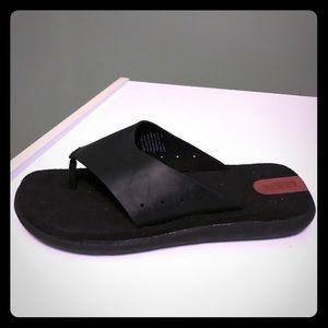 NEW Rocs by Rockport Men's Black Flip Flops Size 7
